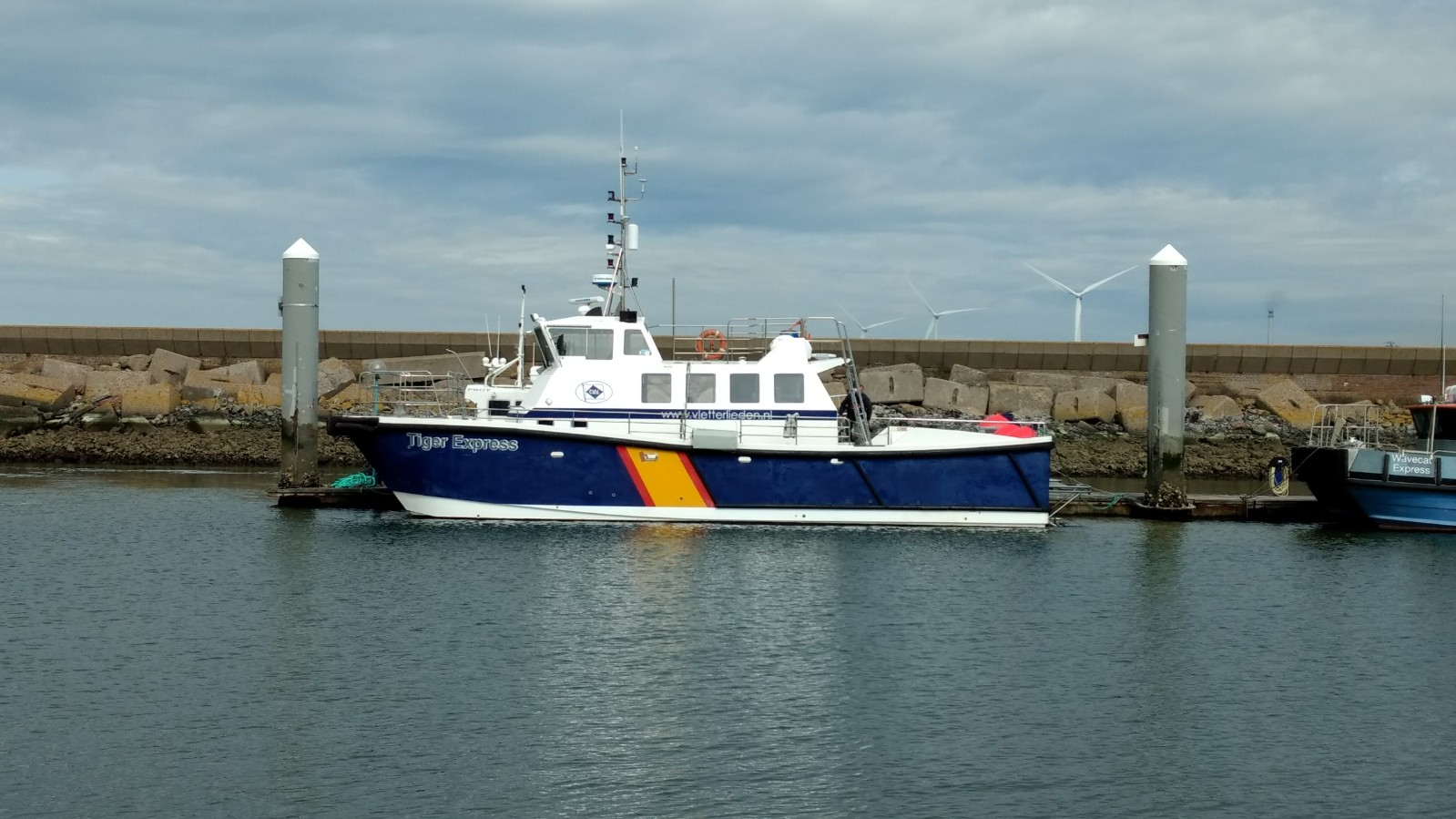 Buy sell or charter commercial workboats worldwide for Commercial fishing boats for sale west coast