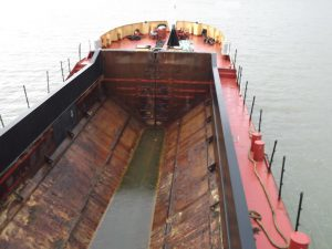 415m cube self propelled split hopper barge - SOLD - Welcome